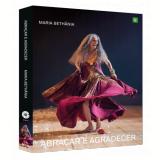 Maria Bethânia - Abraçar e Agradecer (DVD) - Maria Bethânia